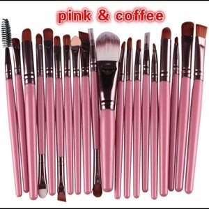 Other - 20 piece make up brush set
